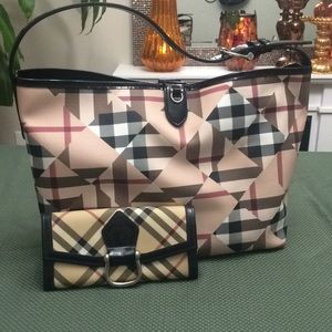 Burberry limited edition handbag wallet organizer